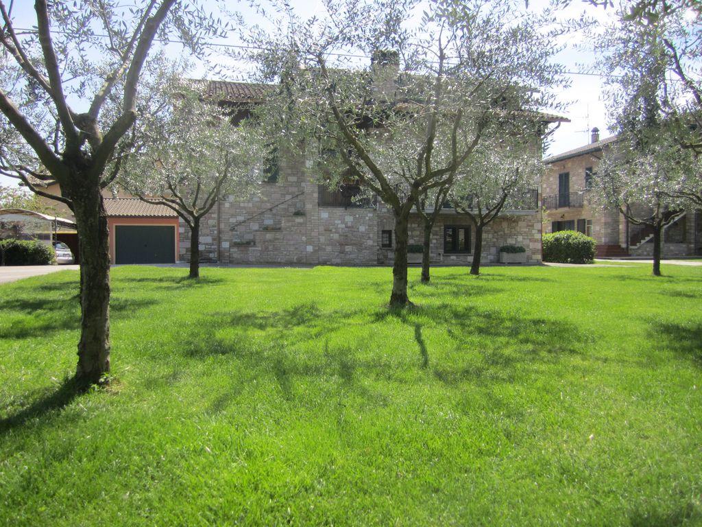 B b b b la strada di francesco di assisi - Il giardino dei ciliegi assisi ...